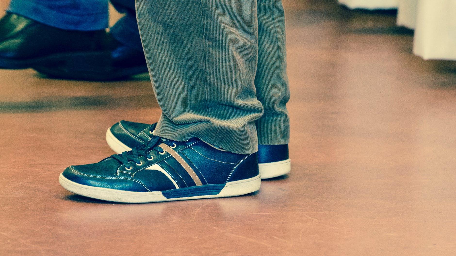 Ανδρικά sneakers – πώς να επιλέξετε τα αγαπημένα σας παπούτσια
